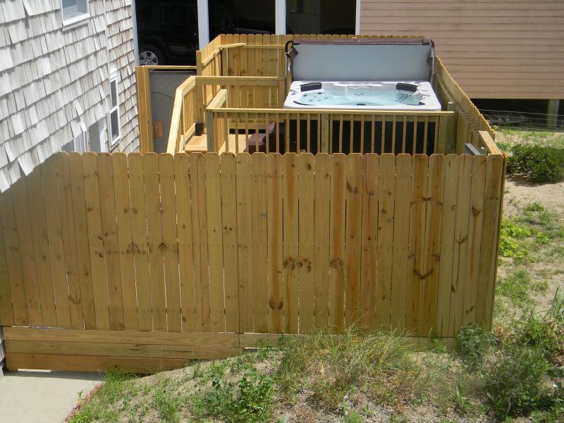 6 pessoa banheira no quintal privado. condomínio fechado de acesso além de piso térreo quarto acesso