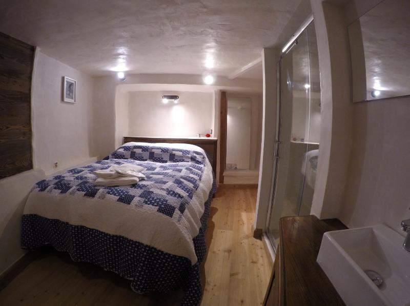 Lake - double room, sleeps 1-2