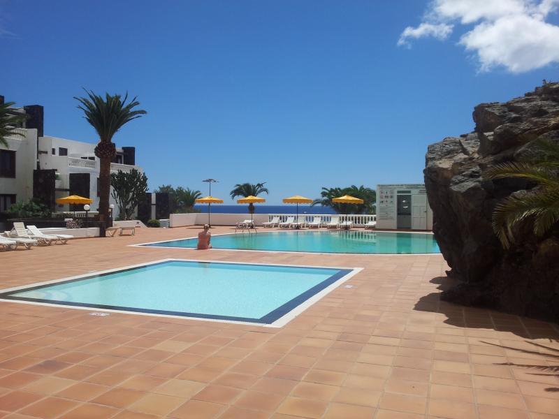 CALETON BLANCO B13 - LANZAROTE - PUERTO DEL CARMEN - FACE A LA MER, location de vacances à Puerto Del Carmen