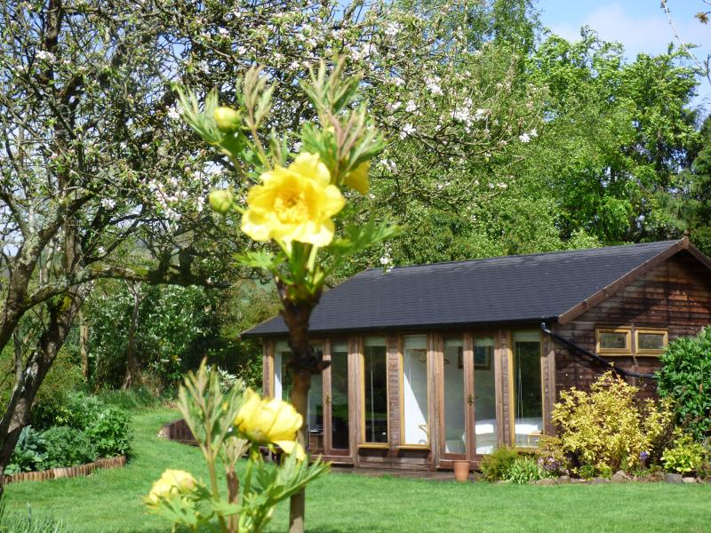 Flaxpool Well Garden Room, holiday rental in Kilve