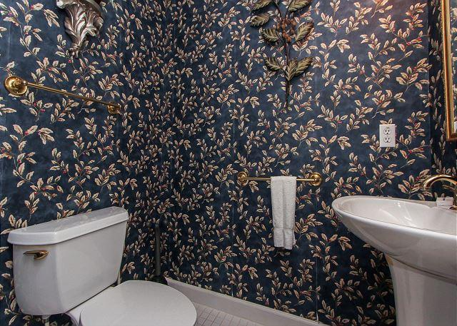 1st Floor 1/2 bathroom