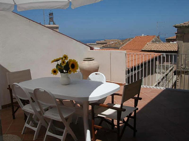Centro Storico Tropea - Appartamento con terrazzo, Ferienwohnung in Tropea