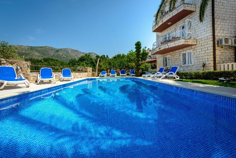 Villa Markoc apartments, alquiler vacacional en Konavle