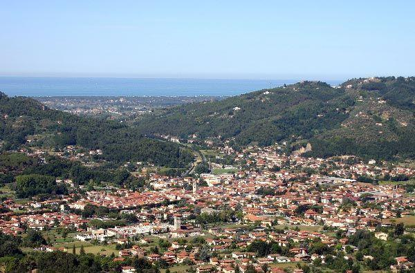 view of camaiore and the sea
