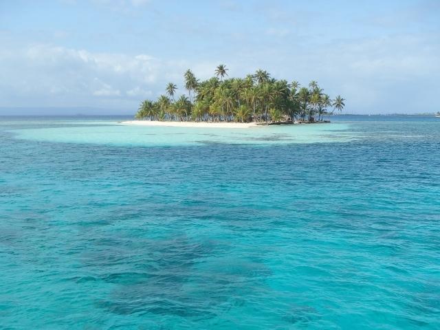 Descubre 360 islas como ésta en San Blas con el velero Pantalasa, una manera única de conocerlo!