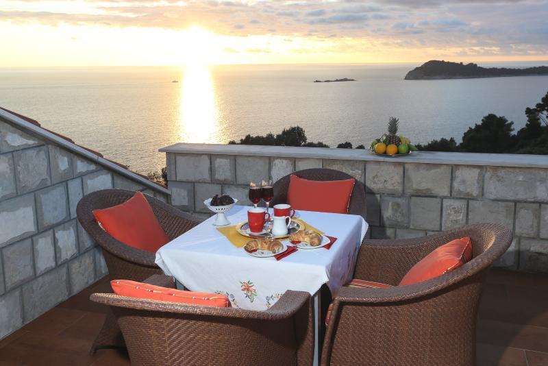 Apartments Sutalo, holiday rental in Cavtat