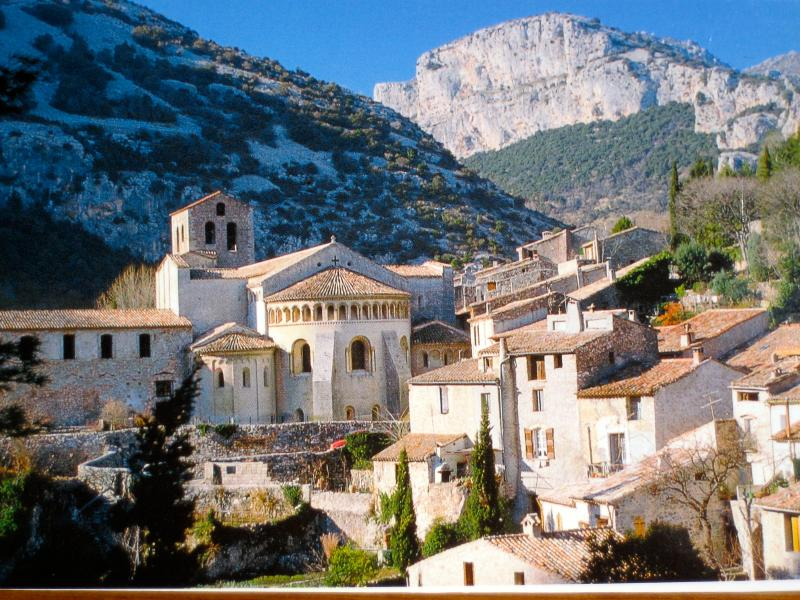 Vu du village de saint Guilhem
