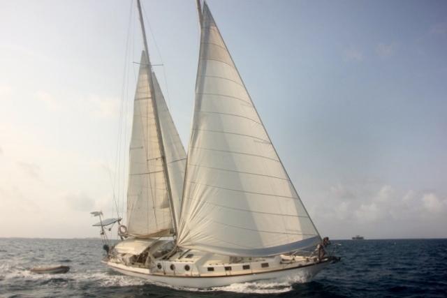 Descubre la magia de navegar en el lugar más extraordinario del Caribe.