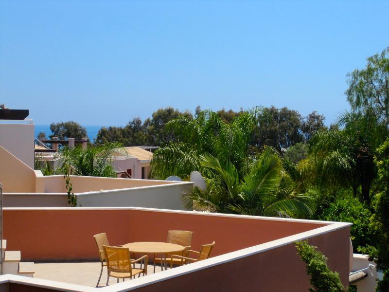 Villa No5 Amathusa Coastal Heights, vacation rental in Parekklisia