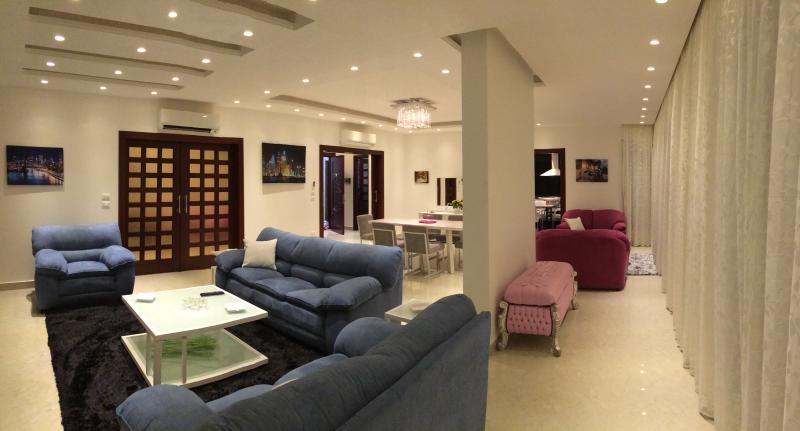 Bright & Central Luxury Apartment in Verdun/Quraitem, holiday rental in Beirut