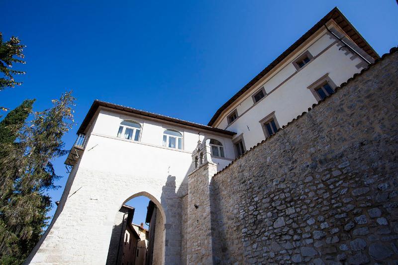 Veduta esterna del Palazzo Anzuini
