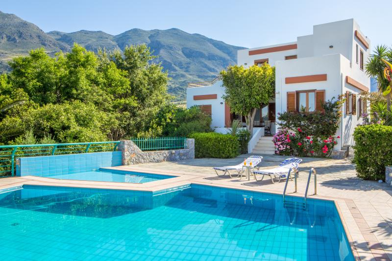 Plakias Villas Thymari & Anemos -Villa Thymari, holiday rental in Agios Vasileios Municipality