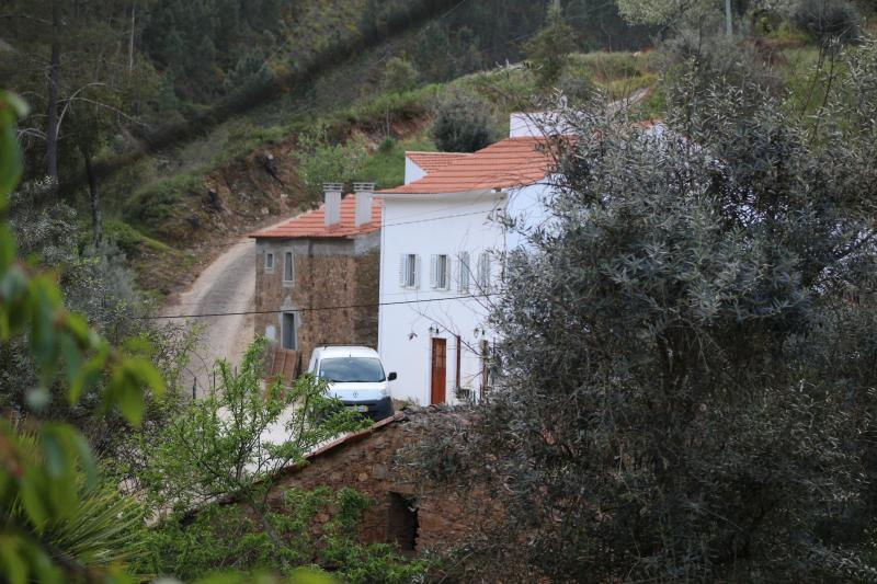 The Adega Room - Stunning Central Portugal, holiday rental in Vila de Rei