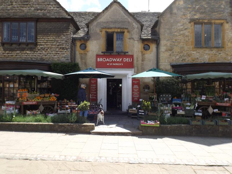 Broadway, Worcestershire, Renowned for it's Cotswold architecture & excellent independent shops