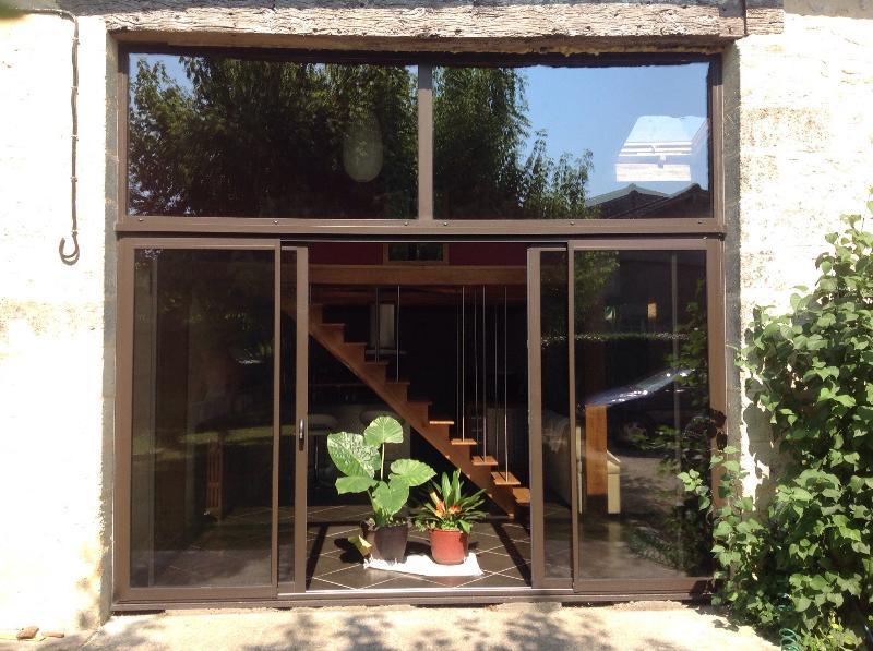 Apartment de charme proximité St Emilion, holiday rental in Les Salles-De-Castillon