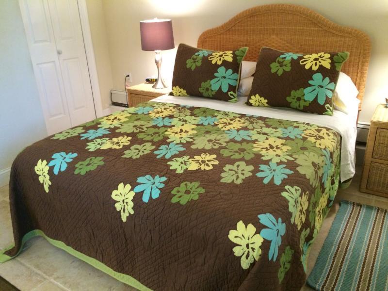 private queen bedroom with closet in SeaBreeze Suite