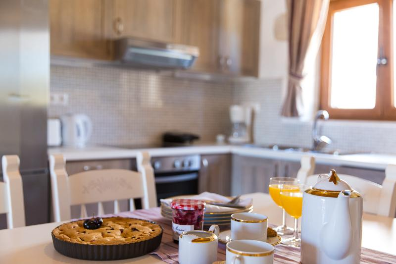 Enjoy your breakfast with your family!