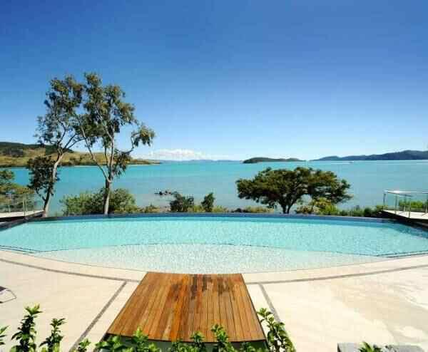 Luxury Edge Villa Sleeps 8, vacation rental in Whitsunday Islands
