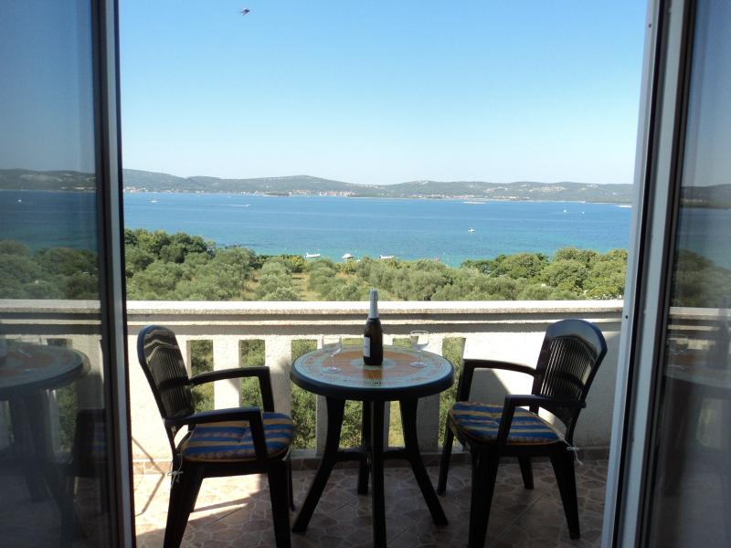 Apartments Delfini Croatia - Studio Apartment 1, vacation rental in Sveti Filip i Jakov