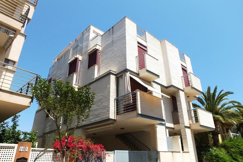 Precioso pareado a 3 pasos del mar, vacation rental in Almenara