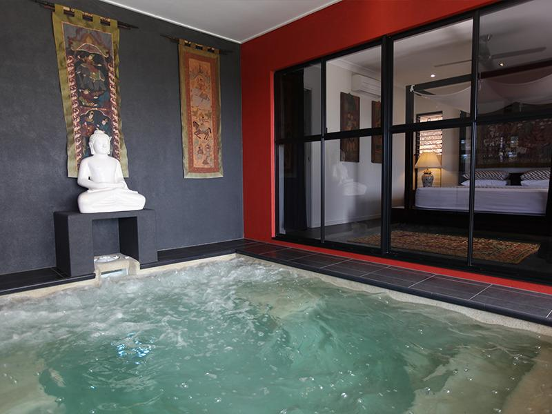 Plunge Pool / spa (not heated)