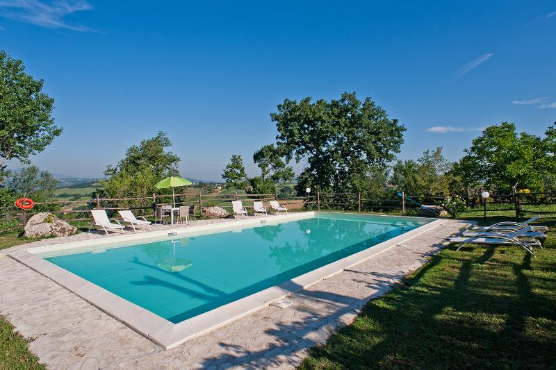 Lovely Villa with Large Salt Pool  close to  Rome, vacation rental in Province of Rieti