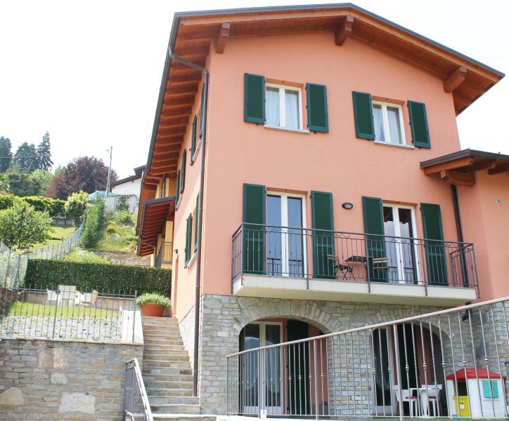 Casa La Pianca: Nuovissima Casa con vista Lago, vacation rental in Menaggio