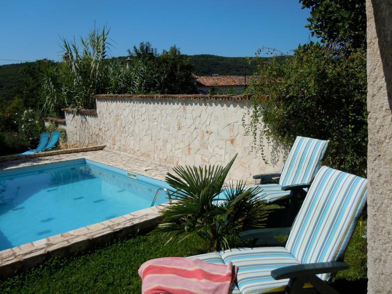Villa Jasmine - pool and garden