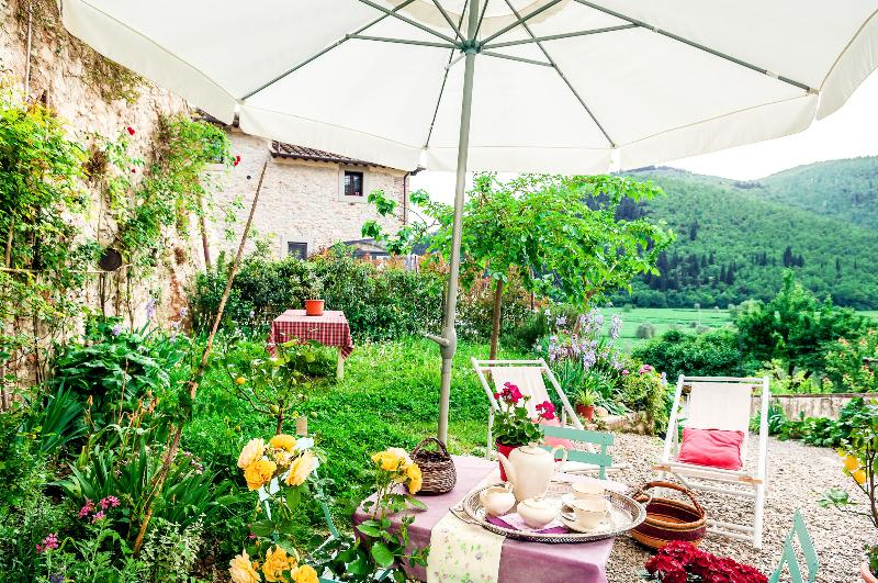 Casa Toscana Organic Lifestyle tourism/business, vacation rental in Calenzano
