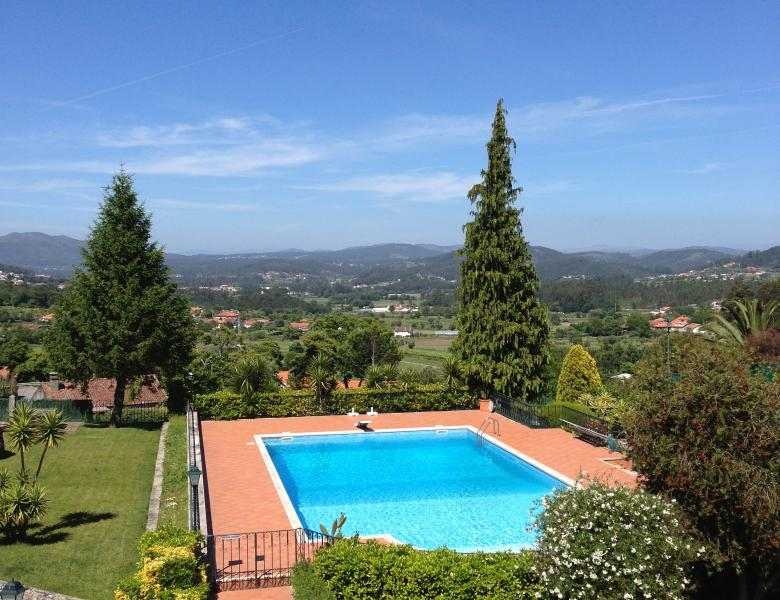 Casa Agrela Private Villa - Tennis,Pool, Less than hour from Porto Airport, holiday rental in Braga District