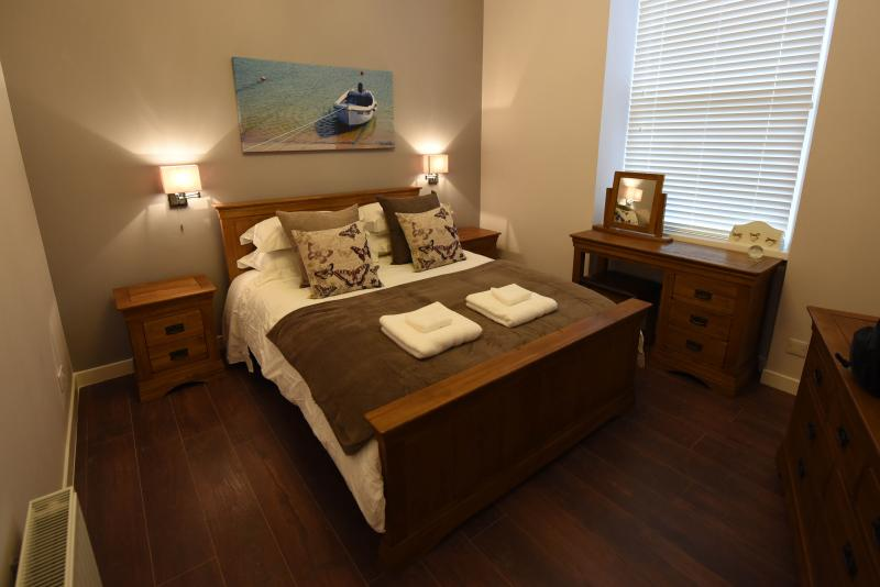 The Harbour Tower - 4 Star Self Catering Apartment, vacation rental in Muchalls