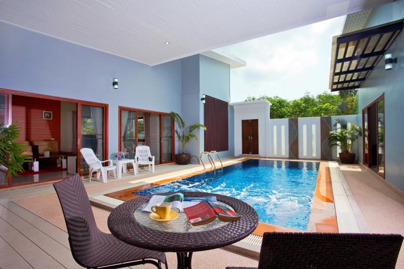 Maikhao Pool Villa 3 Bedroom, location de vacances à Tha Yu