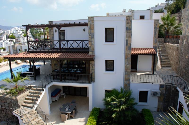 Villa Amice, alquiler de vacaciones en Gundogan
