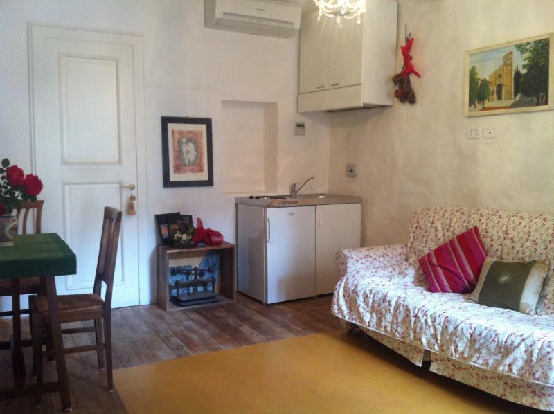 Suite Cipria by Antiche Mura, holiday rental in Castiglion Fibocchi