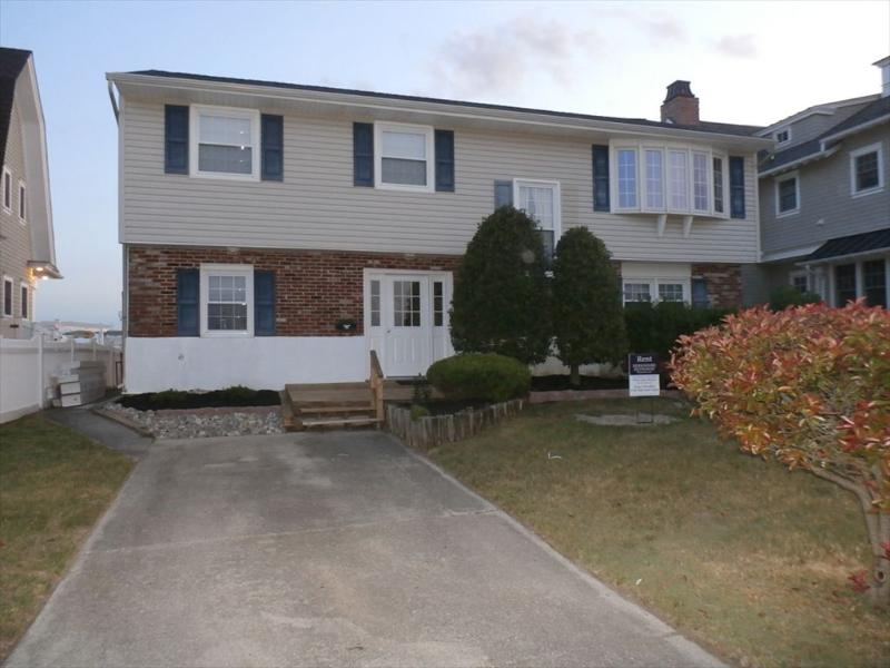 52 Waterway Road-Single Family 121755, holiday rental in Marmora