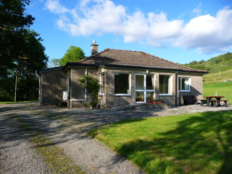 Quality self-catering cottage. Stunning scenery. Centrally located for exploring Argyll