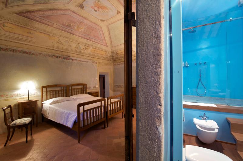 Il Paluffo B&B Blue Room, holiday rental in Certaldo