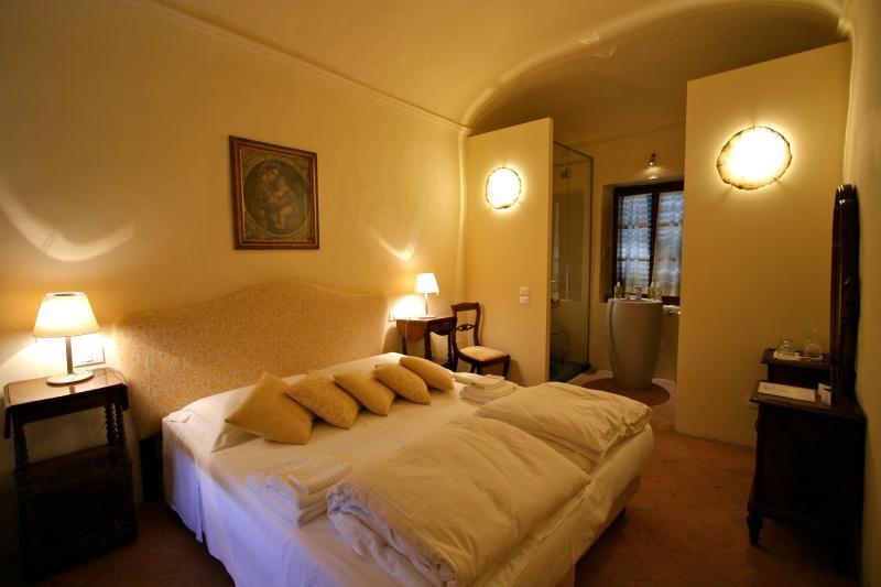 Yellow Room B&B, holiday rental in Trecento