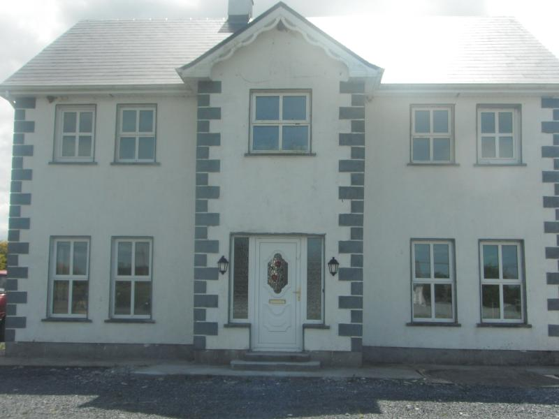 The front of Crannagh House.