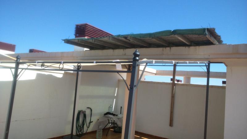 28m2 nuevos de sombra en terraza.