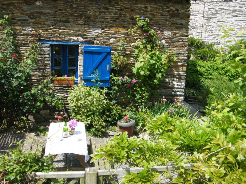 Foxglove Cottage in Southern Brittany, holiday rental in Masserac