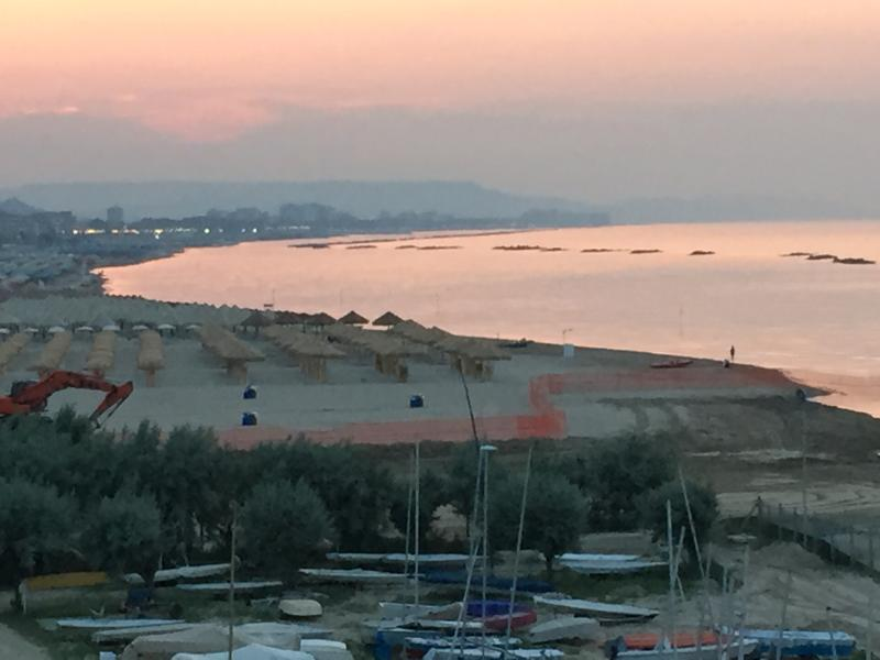 Pescara Beach  ( distanza 35 KM )