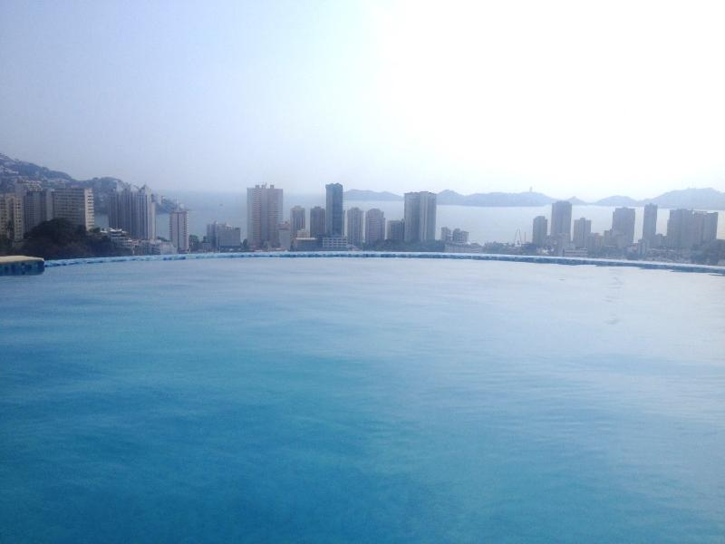 HERMOSO PENTHOUSE NUEVO CON VISTA ESPECTACULAR, holiday rental in Acapulco