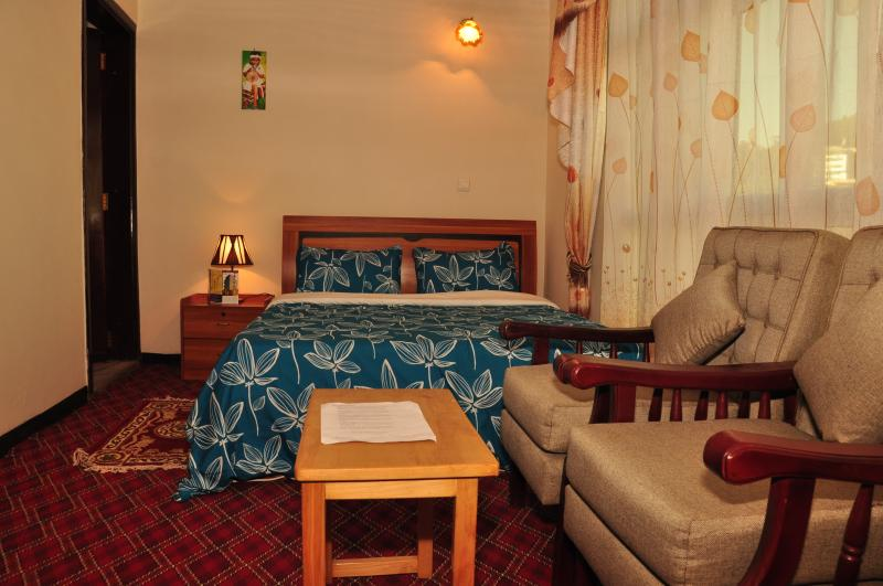 Keba Guest House and B&B  Deluxe Room With free Wi-Fi and airport pickup!, alquiler vacacional en Addis Ababa