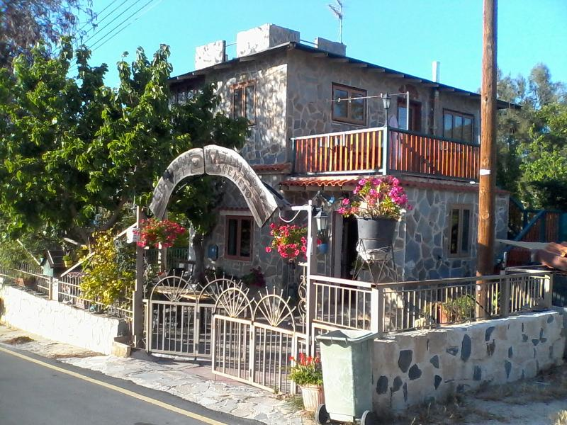 miltos, holiday rental in Argaka