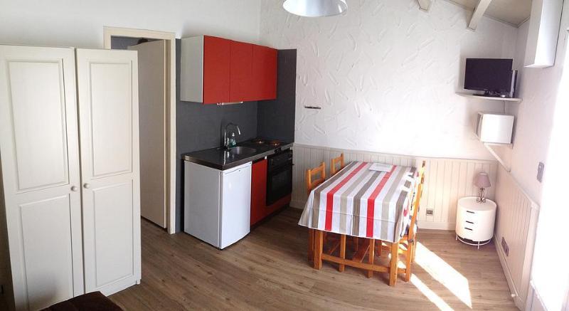 Meublés Guilbon - location ile de ré à petit prix, vacation rental in Charente-Maritime