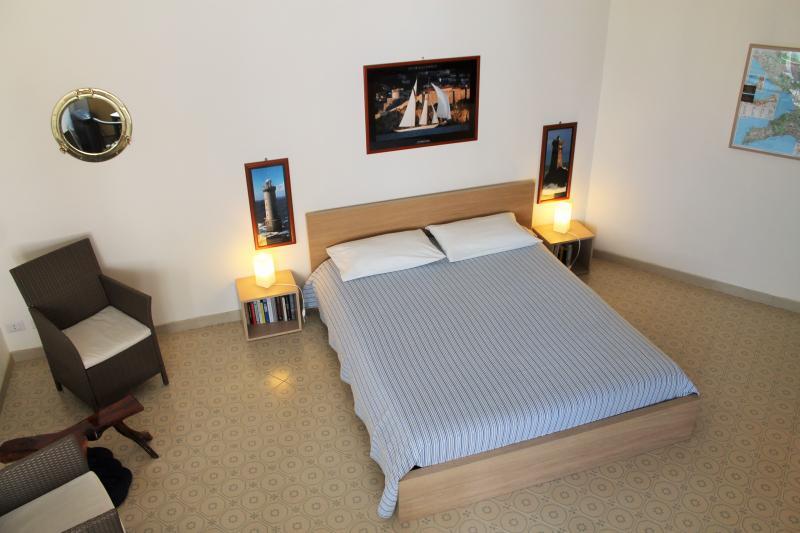 1 Main Room