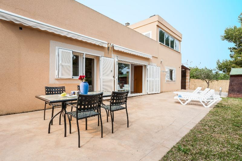 CAN VAUMA - Chalet for 6 people in Port d'Alcúdia, holiday rental in Alcudia