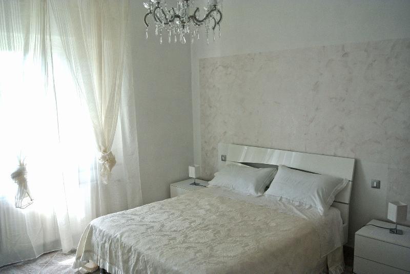 kiwi 2.0  7 posti letto aria condizionata, holiday rental in Muggiano
