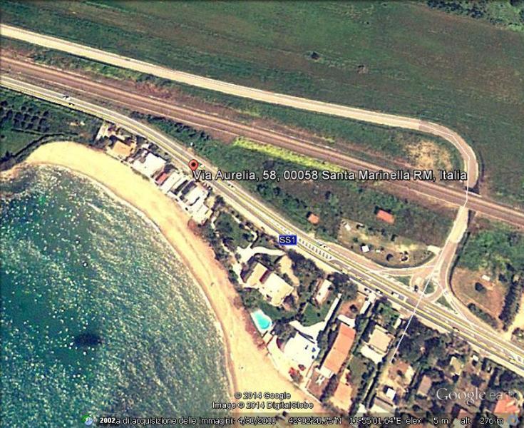 la casa vista dal satellite (la seconda da sinistra)